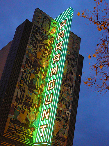 Paramount_marquee