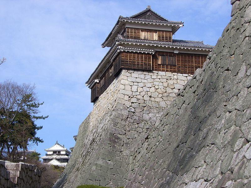 800px-Matsuyama_castle(Iyo)1