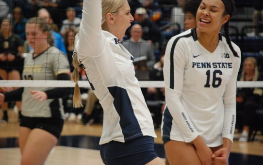 Penn State Women's Volleyball Sweeps Illinois